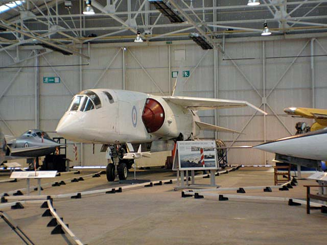 英コスフォード空軍博物館 Royal Air Force Museum Cosford ハンガー2屋内展示tsr2詳細